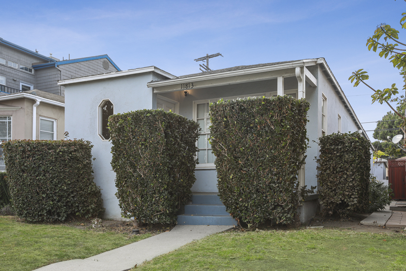 11813 Gateway Blvd, Los Angeles, California 90064, 2 Bedrooms Bedrooms, ,2 BathroomsBathrooms,Home,For Rent,Gateway Blvd,1120