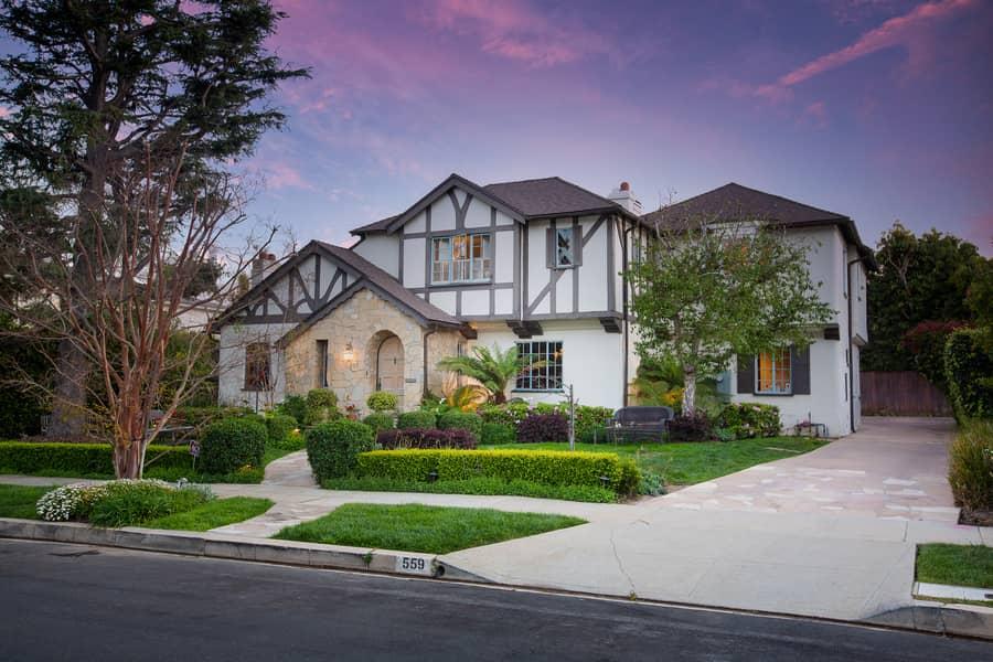 559 Almoloya Drive, Los Angeles, California 90272, 5 Bedrooms Bedrooms, ,4.5 BathroomsBathrooms,Home,In Escrow,Almoloya Drive,1126
