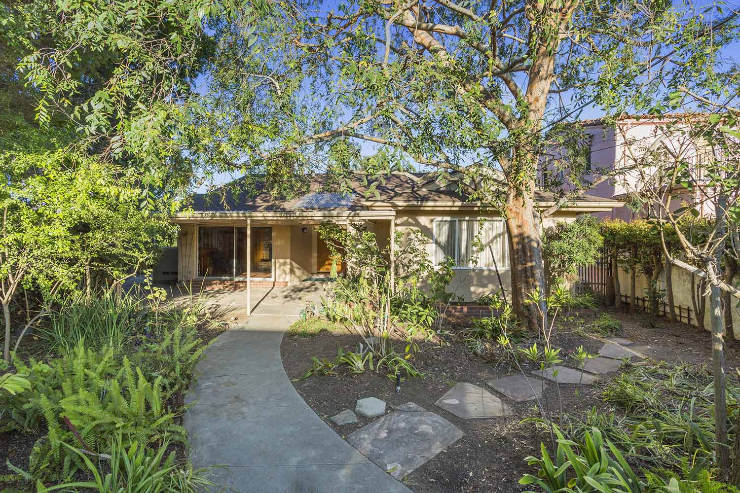 659 Erskine Dr,Pacific Palisades,California 90272,3 Bedrooms Bedrooms,2 BathroomsBathrooms,Home,Erskine Dr,1023