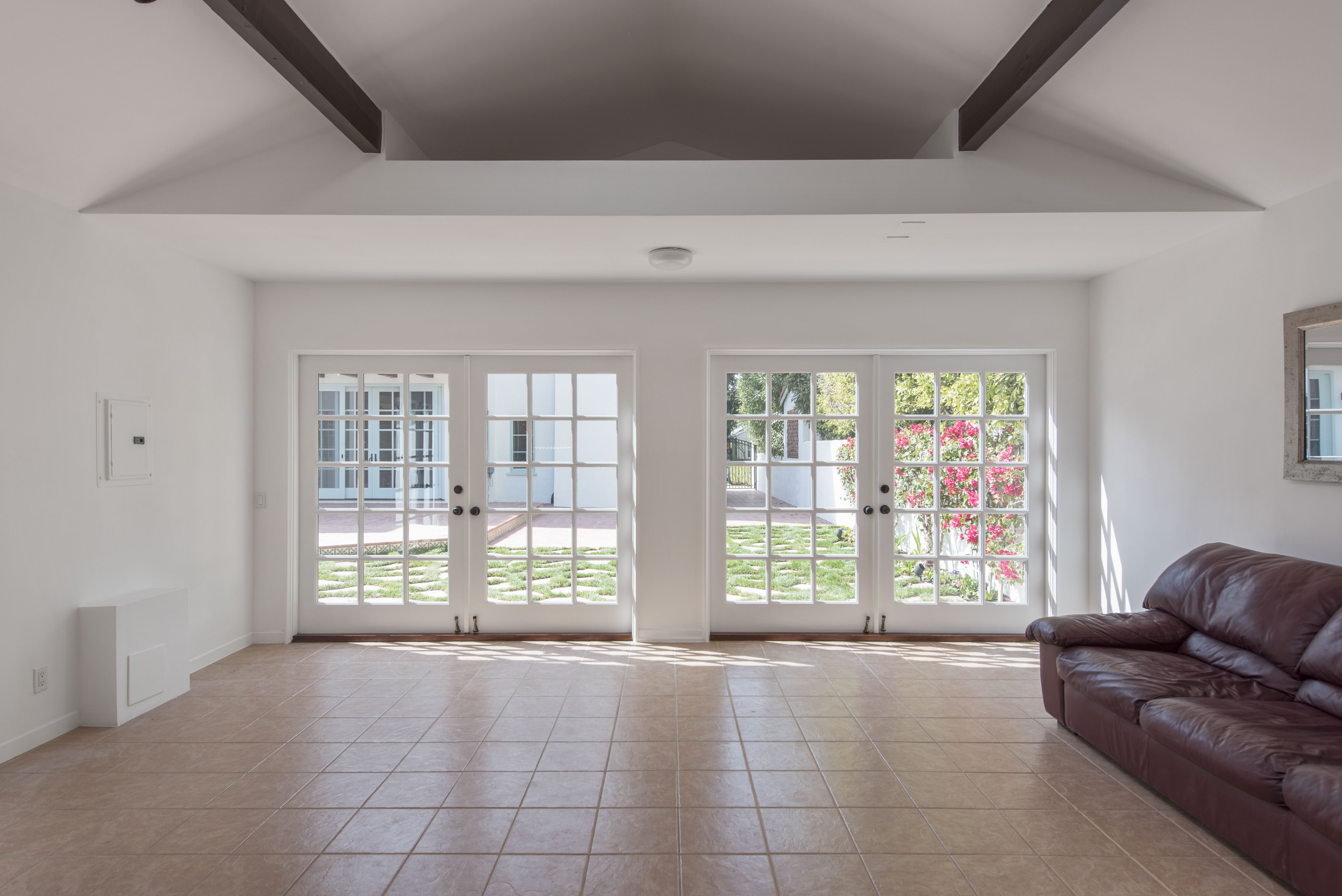 463 19th St, Santa Monica, California 90402, 5 Bedrooms Bedrooms, ,4.5 BathroomsBathrooms,Home,For Rent,19th St,1025