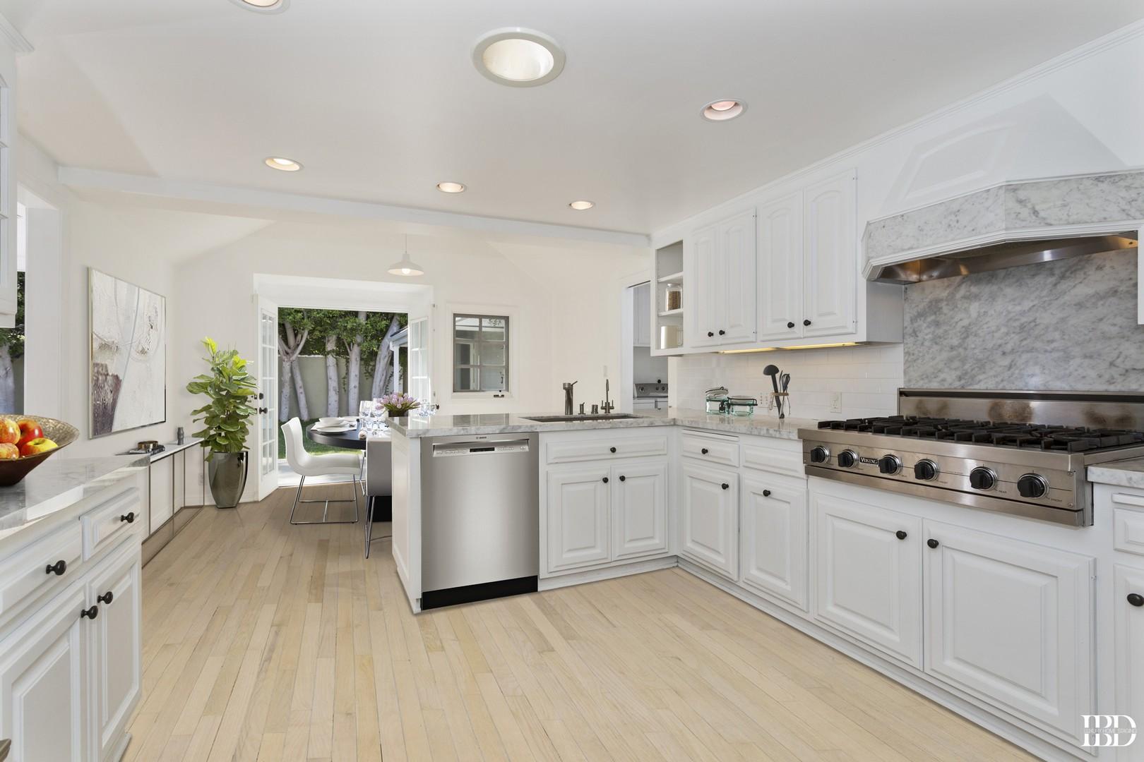 523 Chapala,Pacific Palisades,California 90272,4 Bedrooms Bedrooms,5 BathroomsBathrooms,Home,Chapala,1050