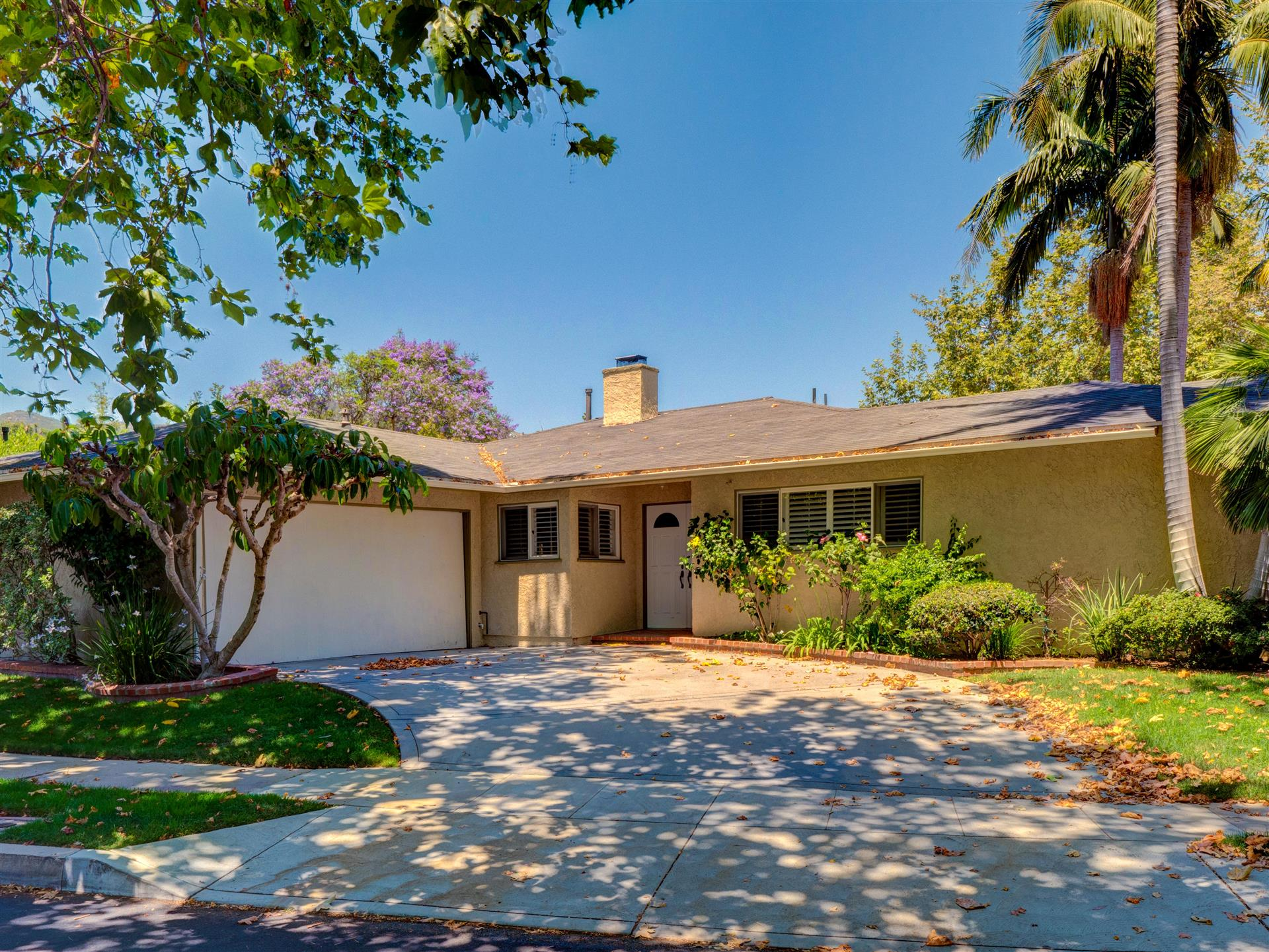 16301 Akron, Pacific Palisades, California 90272, 3 Bedrooms Bedrooms, ,2 BathroomsBathrooms,Home,For Rent,Akron,1052