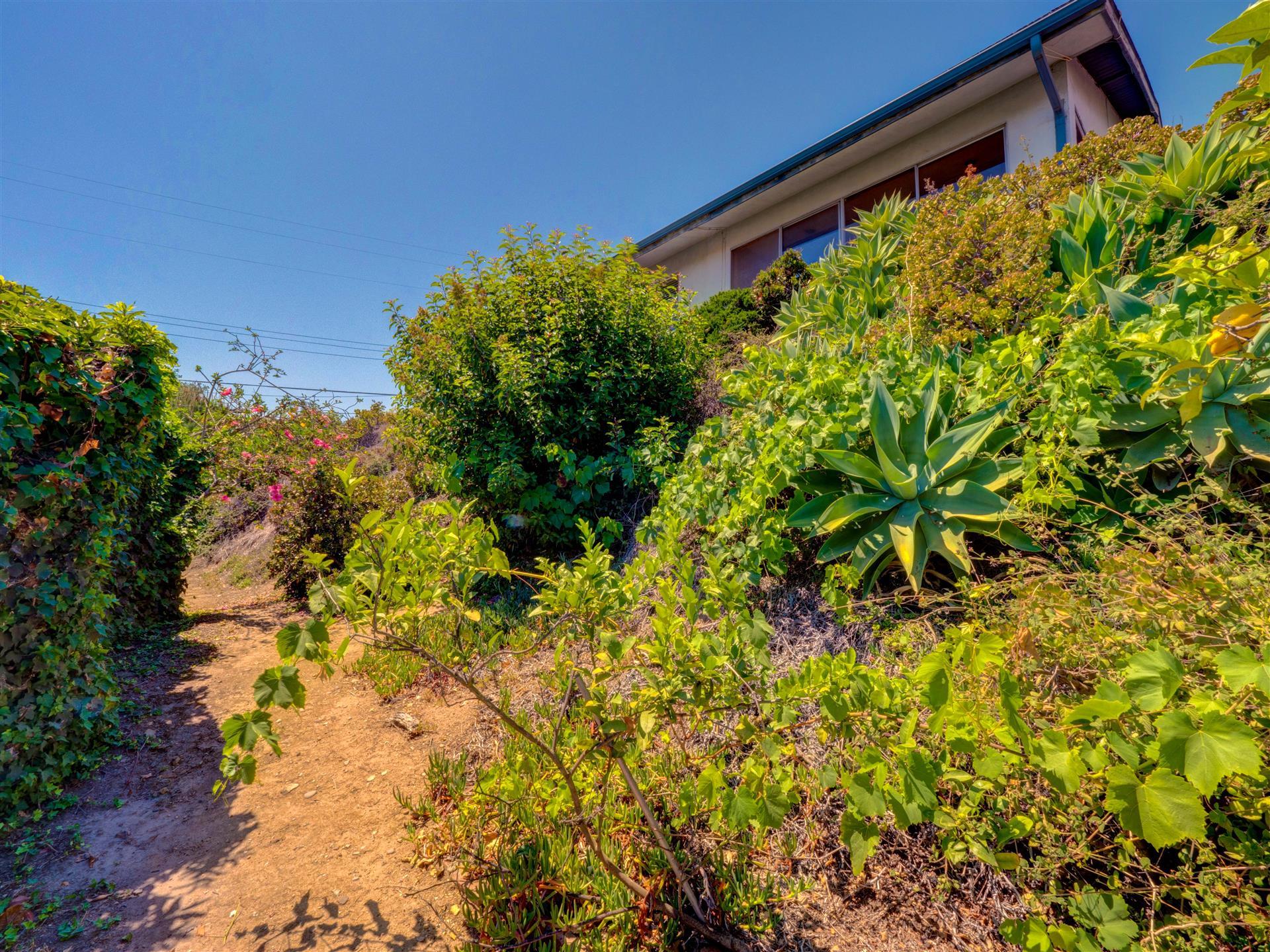 970 Las Lomas,Pacific Palisades,California 90272,3 Bedrooms Bedrooms,2 BathroomsBathrooms,Home,Las Lomas,1053