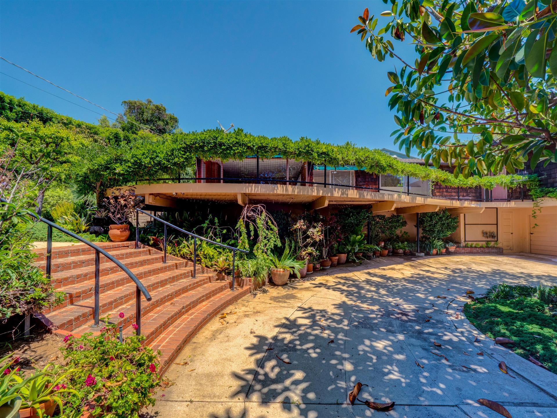 837 Muskingum,Pacific Palisades,California 90272,3 Bedrooms Bedrooms,2 BathroomsBathrooms,Home,Muskingum,1055